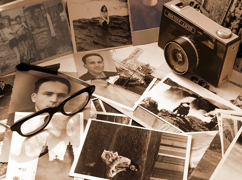 Картинки старые фото на столе