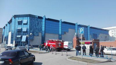 Персонал и посетителей кемеровского ТРК эвакуировали из-за подозрительного предмета