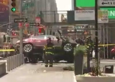 В США водитель, протаранивший толпу, хотел «убить их всех»