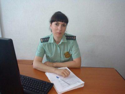 В Кузбассе пристав представилась подругой алиментщицы, чтобы добиться выплаты долга