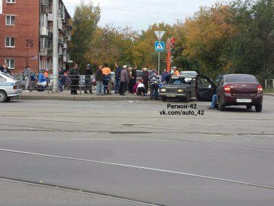 В Кемерове на Радуге столкнулись две «Лады», двое пострадали