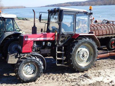 В Кузбассе тракторист устроил ДТП с газелью