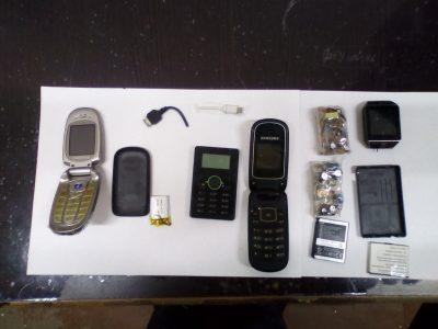 В колонии Кузбасса в бандероли для осужденного в кусках мыла нашли телефоны и смарт-часы