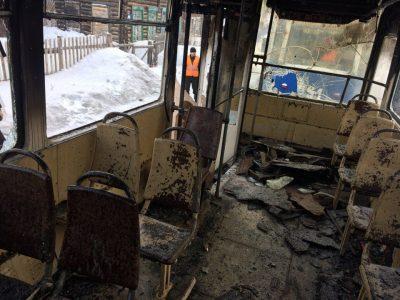 В МЧС назвали предварительную причину пожара в трамвае в Заводском районе Кемерова