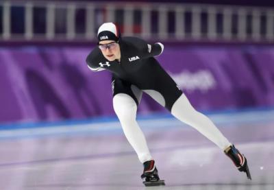 Пользователи социальных сетей высмеяли форму конькобежцев США