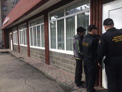 В кузбасском кафе работал повар с гепатитом А, заведение временно закрыли