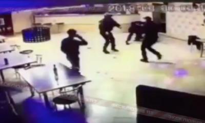 Видео: в Кузбассе сотрудник Росгвардии открыл огонь при задержании, погиб один человек