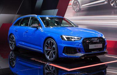Названы российские цены на Audi RS4 Avant