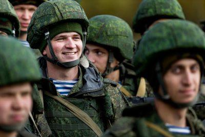 Впервые за 19 лет Россия снизила военные расходы