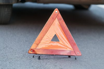 В Кузбассе на трассе водитель «Газели» протаранил Ford, последствия ДТП сняли на видео
