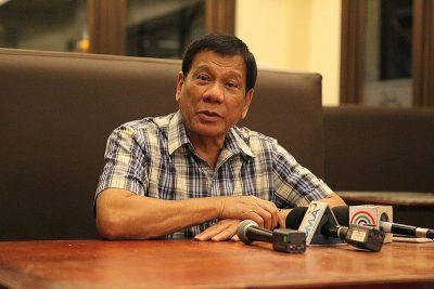 Президент Филиппин пообещал покинуть пост, если ему докажут существование бога