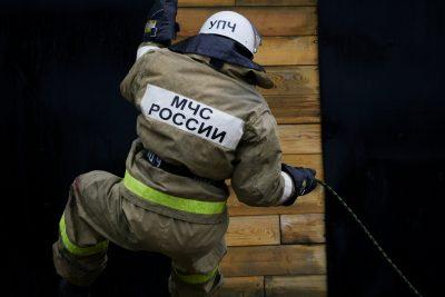 В Кузбассе ночью горели три бани и многоквартирный дом