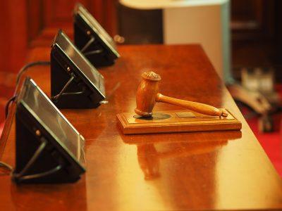В Кузбассе будут судить мужчину за изнасилование малолетней дочери