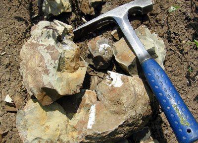 В конце недели в Новокузнецке откроют памятник геологу