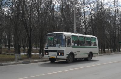 «Проехал так 15 метров»: маршрутка протащила кемеровчанина по дороге
