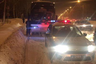 В Кемерове горел автобус с нелегалами
