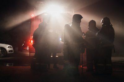 В Новокузнецке разом сгорели три микроавтобуса