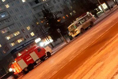 Видео: в Кемерове загорелась маршрутка