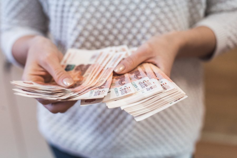 В Кемерове сиделка украла более 100 тысяч рублей
