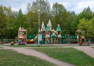 Ребёнок едва не погиб на детской площадке: какие проверки теперь ждут Кузбасс?
