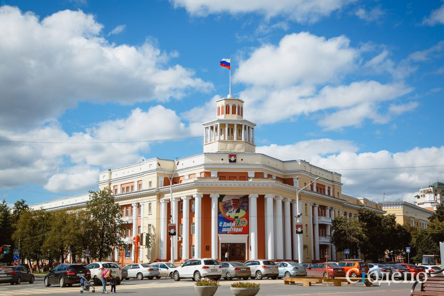 Директор «Кемеровских автодорог» заработал за год всего 10 тысяч рублей