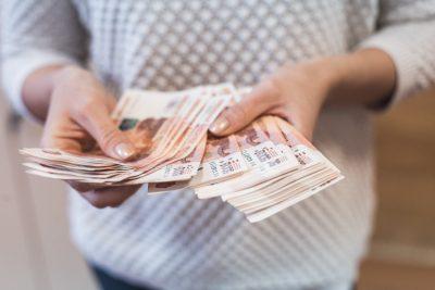 Кемеровчанин лишился в сауне больше 100 000 рублей