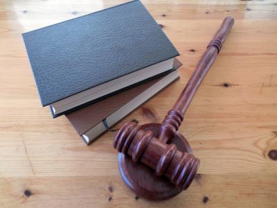 Замначальника кемеровского Роспотребнадзора наказали за отказ помочь ребёнку