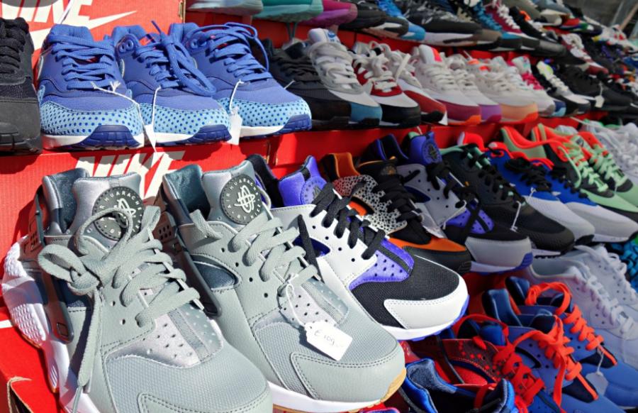 В кузбасском магазине продавали поддельную обувь известного бренда