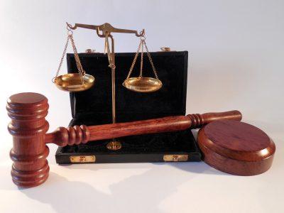 В Кузбассе заместителя начальника СК обвинили в получении крупной взятки