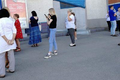 Фото: в Кемерове срочно эвакуировали крупный ТЦ