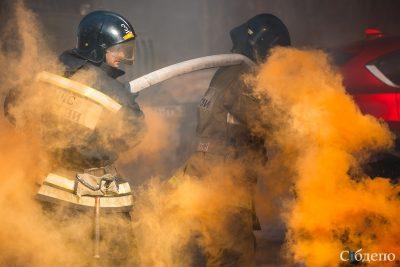 В Кузбассе загорелся склад ликёро-водочного завода