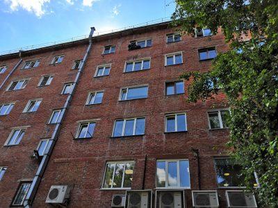 Фото: кемеровчанин травит соседей в многоэтажке