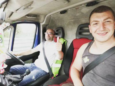 Видео: немецкий путешественник добрался до Кемерова автостопом
