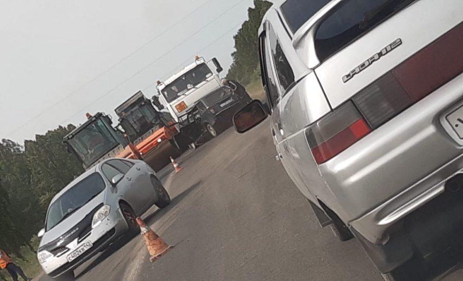 Бензовоз смял легковушку: видео жёсткого ДТП на кузбасской трассе