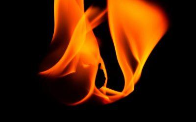 Кузбассовец спалил автомобиль по глупости