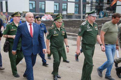 Замминистра обороны оценил строительство Президентской «кадетки» в Кемерове