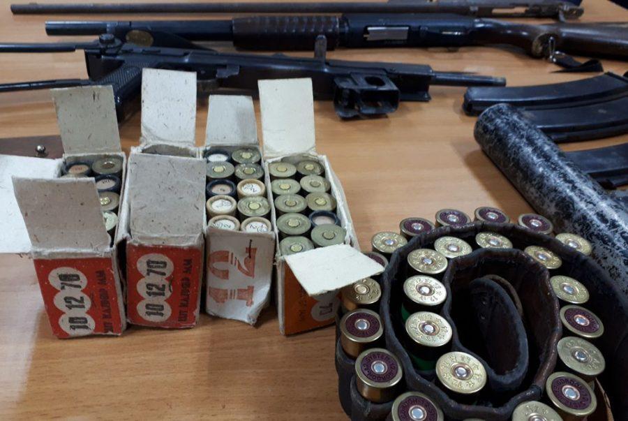 Фото: под Кемеровом пенсионер хранил крупную партию оружия и боеприпасов