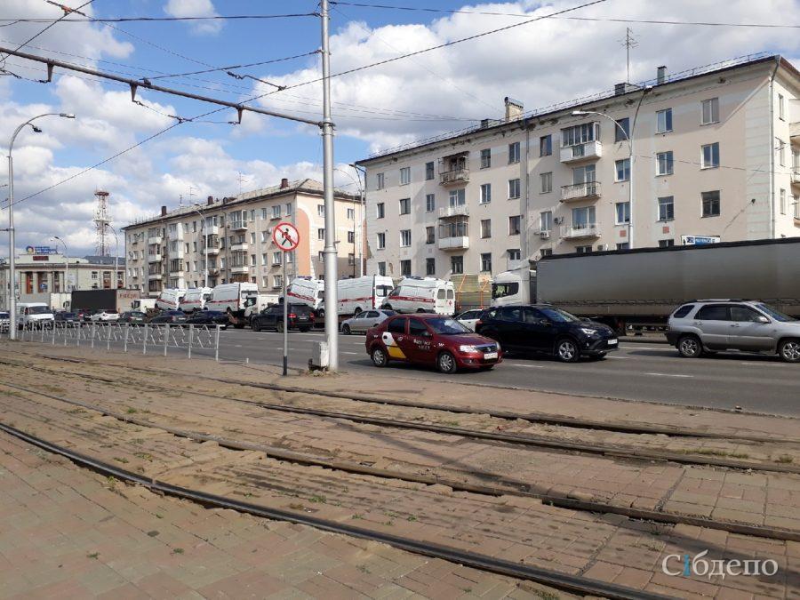 Фото: кемеровчане заметили необычный «паровозик» в городе