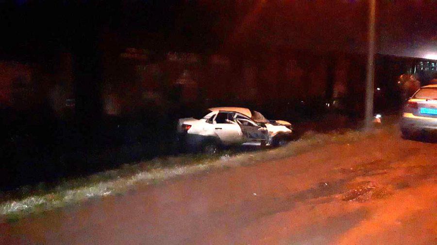В Кузбассе автомобиль врезался в вагон