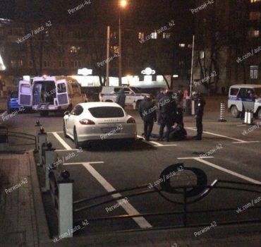 В Сети появились фото и видео с места перестрелки в центре Кемерова