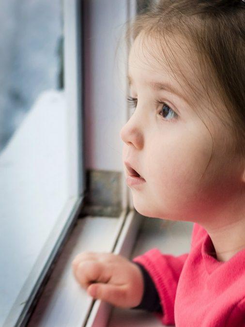 В Кузбассе Александр Невский спас ребёнка от падения из окна