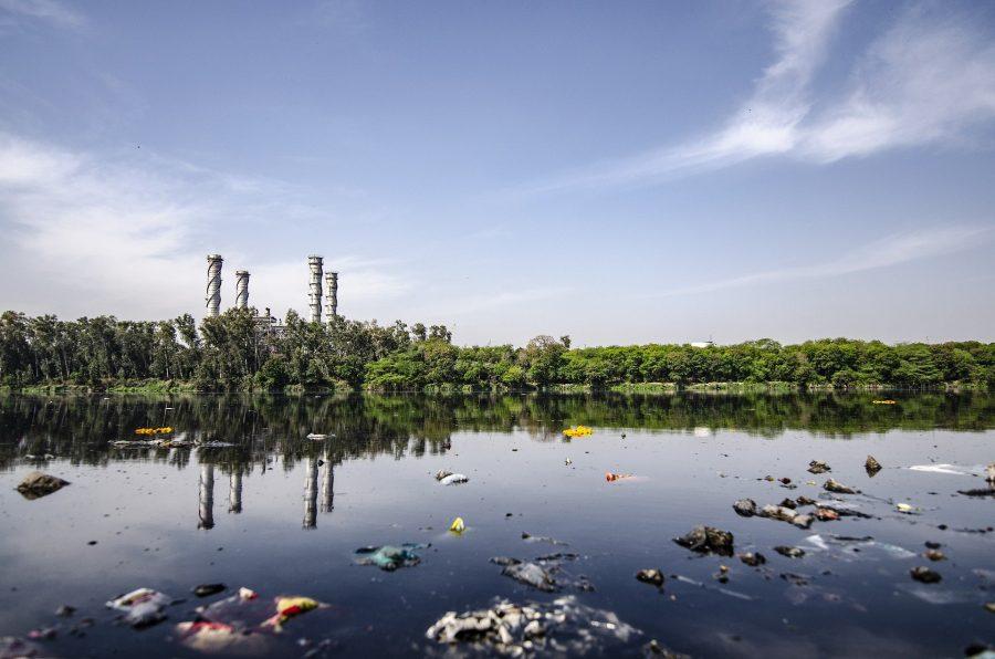 Соцсети: в кузбасскую речку сливают канализацию